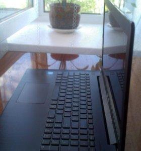 Ноутбук Asus в хорошем состоянии