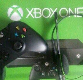 Xbox One + Fifa 17 + Gta V