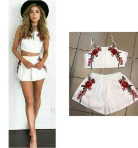 Новый костюм топ шорты вышивка розы цветы