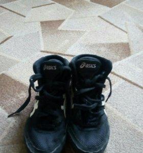 Чёрные борцовки Asics 33размер