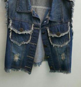 Жилет джинсовый