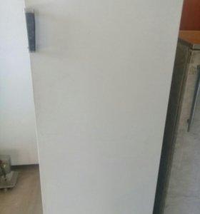 """Холодильник """"Полюс"""""""