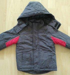 Новая куртка 98-104 демисезон