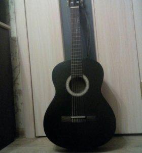 Продам гитару + чехол+ ремень