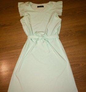 Платье нежного мятного цвета