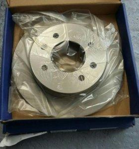тормозные диски комплект(зад)