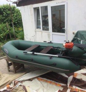 Лодка с мотором М-270 ЖС