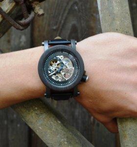 Мужские деревянные часы