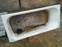 Чугунная ванна в огоррд