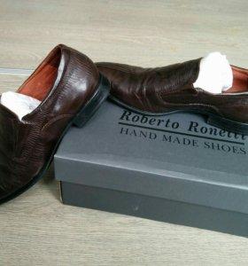 Практически новые туфли