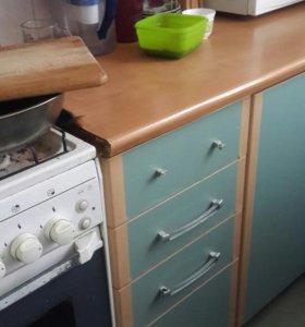 Кухонный гарнитур б/у кухня хорошая