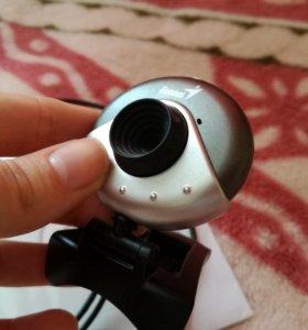 Продаю Веб-камеру Genius FaceCam 310