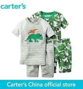 Костюм Carter's.