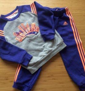 Спортивный костюм утеплённый Adidas 98-104 см
