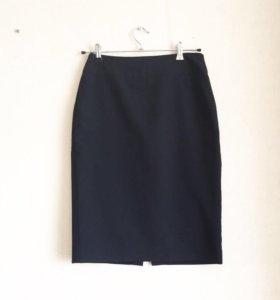 Черная юбка карандаш миди 44