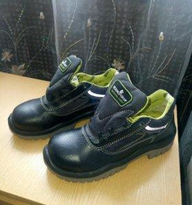 Ботинки с метал подноском 38р