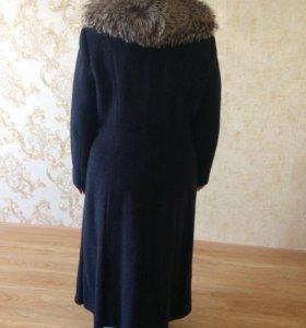 Пальто с воротником (мех натуральный - чернобурка)