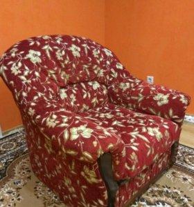 Продам угловой диван + кресло (б/у), торг уместен