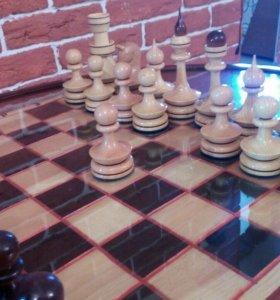 Шахматный столик + 2 пуфика