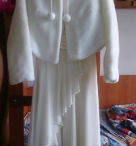 Платье молочного цвета +шубка в подарок