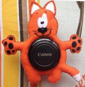 Кот из фетра на объектив фотоаппарата