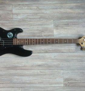 Лнворукая Бас-гитара