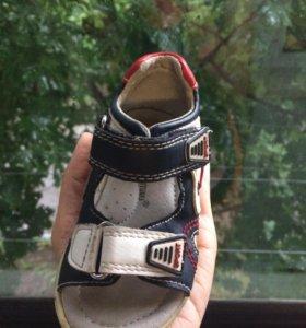 Детская обувь сандали 20 р (стелька 13 см)