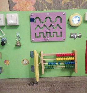Бизиборд 40х60 б/у, развивающая игрушка.