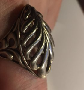Серебряное брендовое кольцо