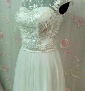 Новое свадебное,вечернее платье.