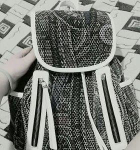 Портфель(школьный)