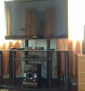 Жидкокристаллический телевизор SAMSUNG.