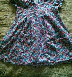Продам платье детское.