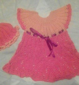 Вязаное платье с шапочкой и сумочкой.