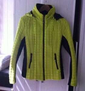 Демисезонная куртка 44-46