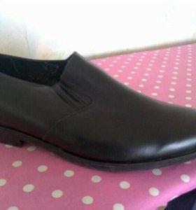 Новые мужские кожаные туфли 46 размер.