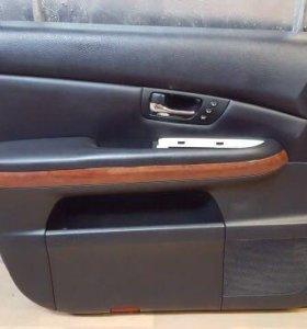 Обшивка двери Lexus rx300/330/350