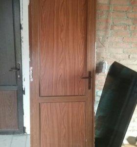 Дверь пластиковая бу