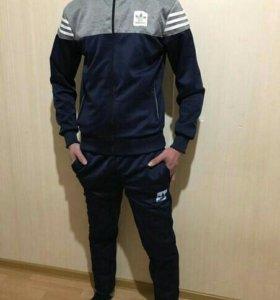 Новый мужской спортивный костюм
