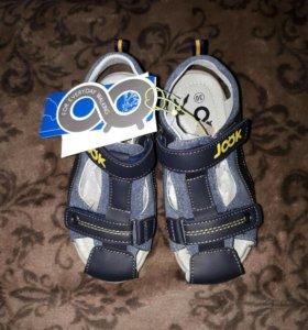 Новые сандалии 30 размер