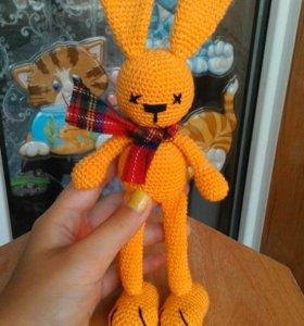 Игрушка амигуруми заяц