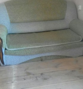 Продам 2 дивана и 1 кресло