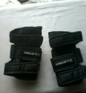 Защита на кисти рук для роликов и скейтборда