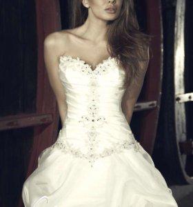 Свадебное платье+фата и аксессуары в подарок(торг)