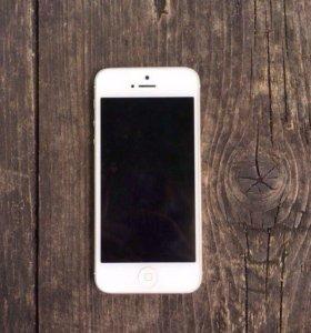iPhone 5 (16гб) торг возможен