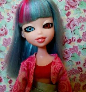 Необычная Кукла Братзилас