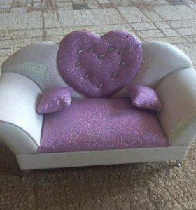 Шкатулка для украшений в виде дивана