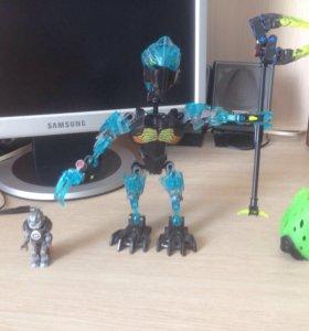Робот и супер-герой