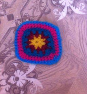 Вязаный игрушечный коврик