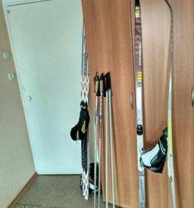 Пластиковые лыжи+ботинки 39 размер+палки